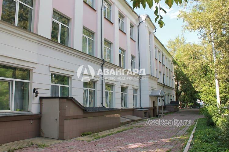 Сталинское здание